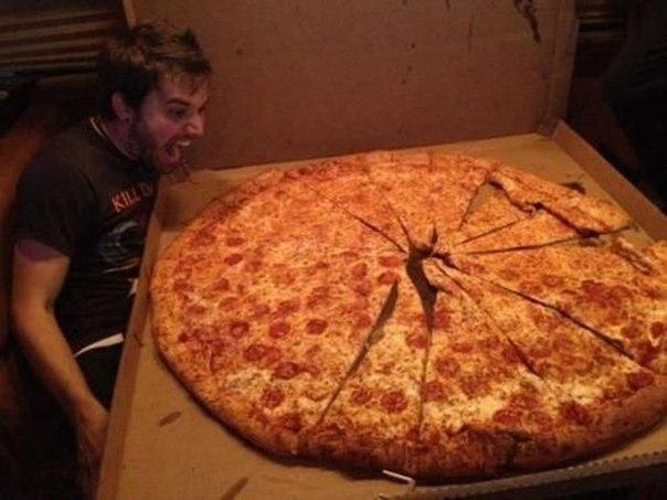 Пицца!! Съесть все!! огромная пицца