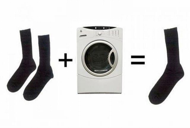 Два носка + стиральная машина = Один носок
