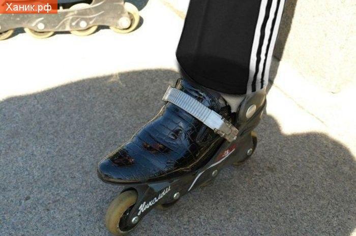 Четко..  Ботинки с вытянутым носком и ролики. Гопники