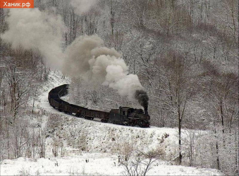 Паровозик зимой. Фотография